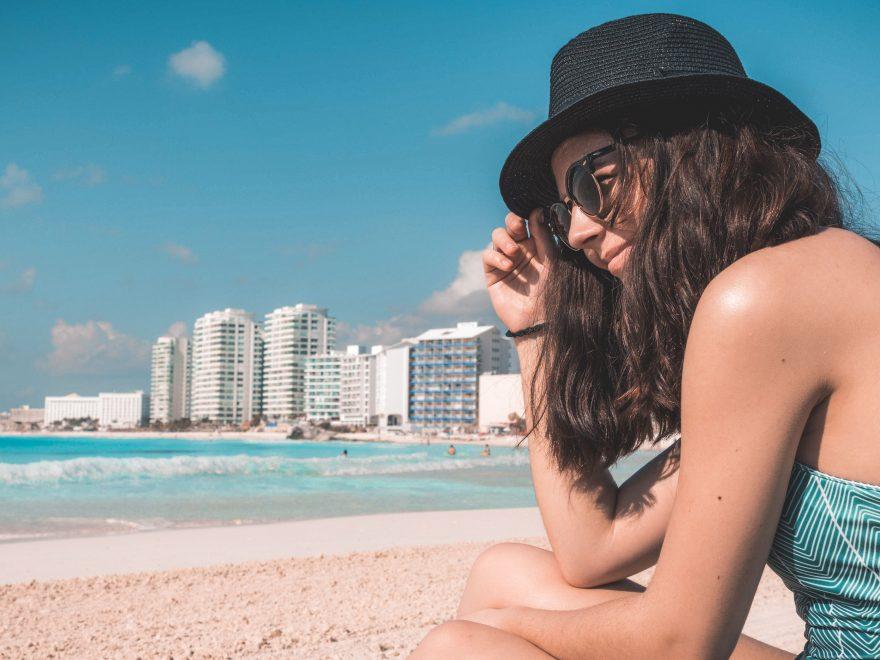 Toma el sol en la playa en tu próxima visita.