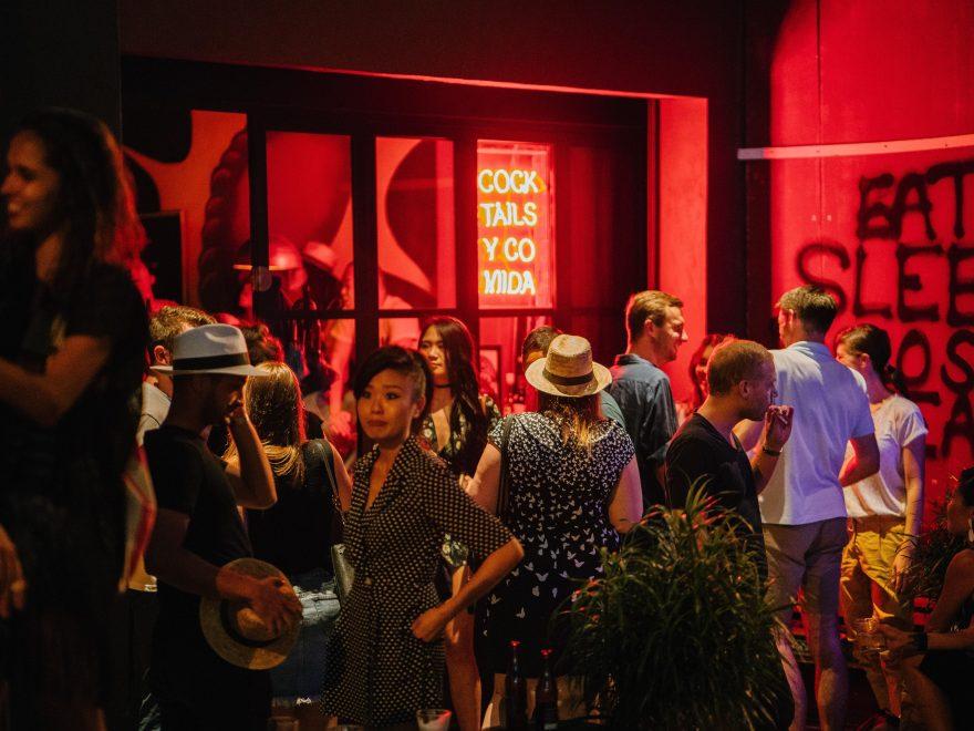 Visita los mejores bares de Toronto.